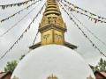 15_Stupa_Wird von Buddhisten betend im Uhrzeigersinn umkreist