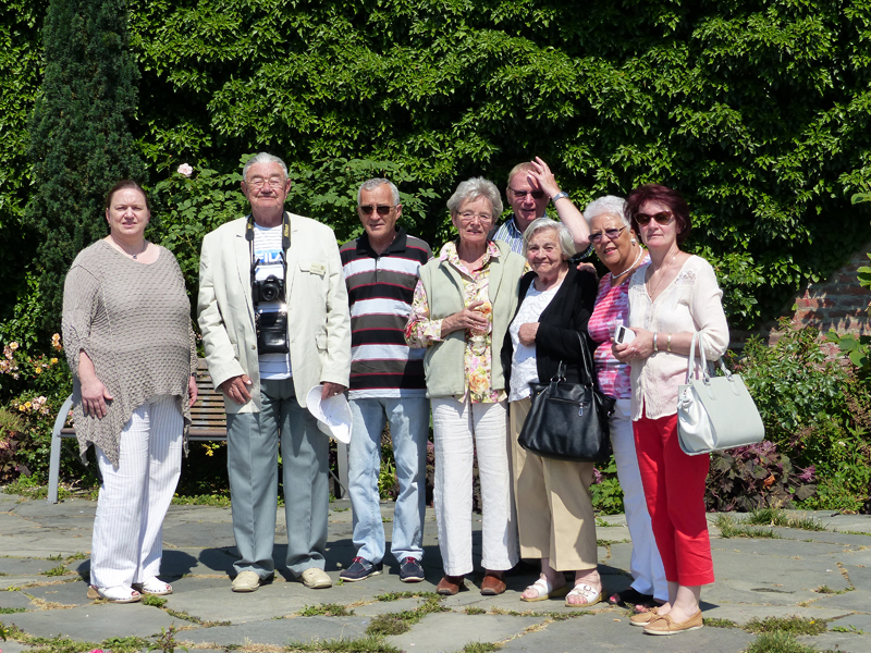 Rumaenische Rosenfreunde im Rosengarten ulm 015
