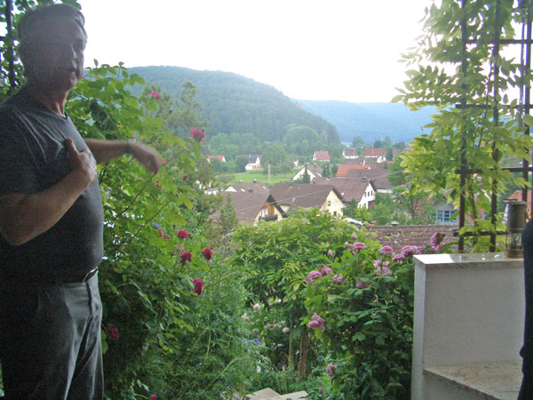 Gartenbesuch Schmid - Fernblick ins Achtal