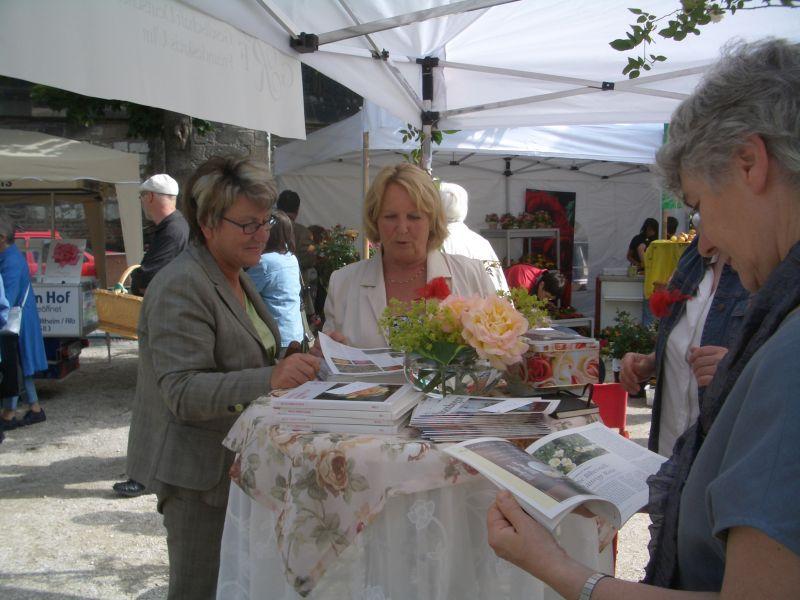 Tag der Rose 2007 in Ulm - Informationsstand Rosenfreunde Ulm